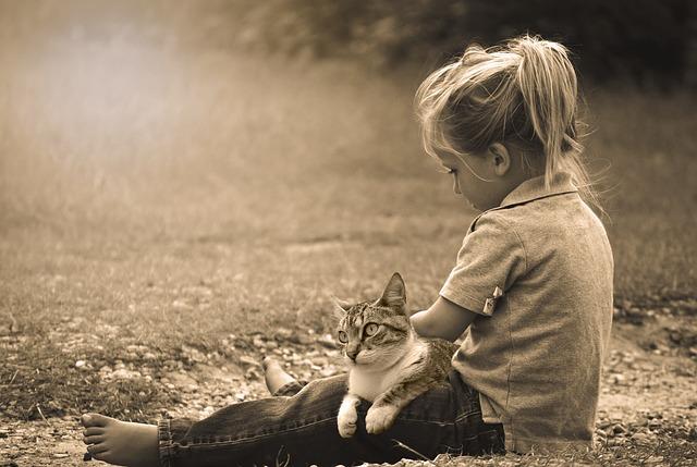 Mačka i dijete